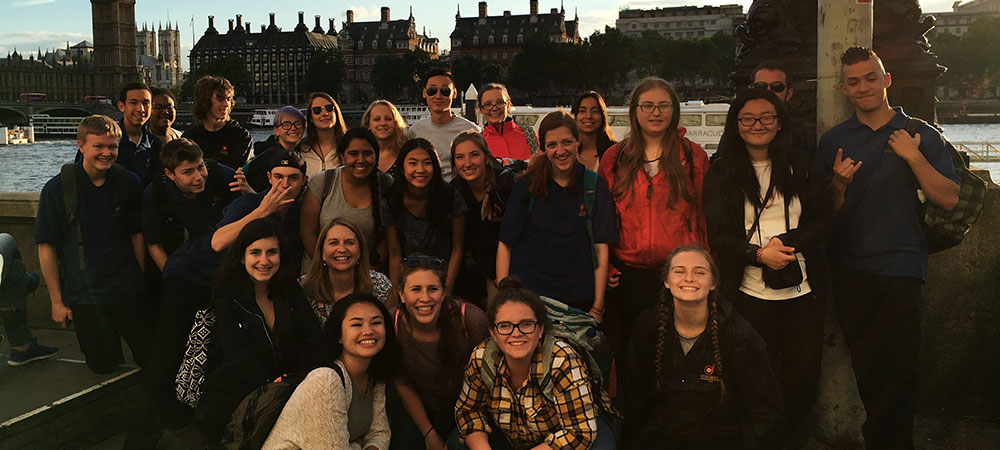 Photo of CCHS students at their Europe trip